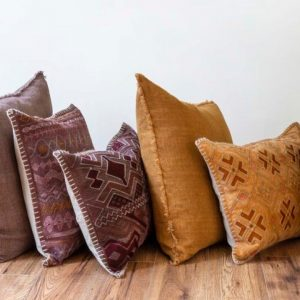 Decor - Pillows / Throws